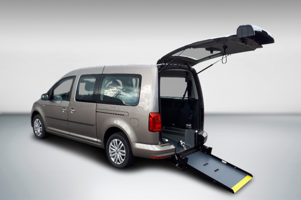 Volkswagen Caddy Maxi Trendline 1.4 TSI DSG Rollstuhlumbau