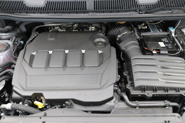 Volkswagen Caddy Life 2.0 TDI Rollstuhlumbau